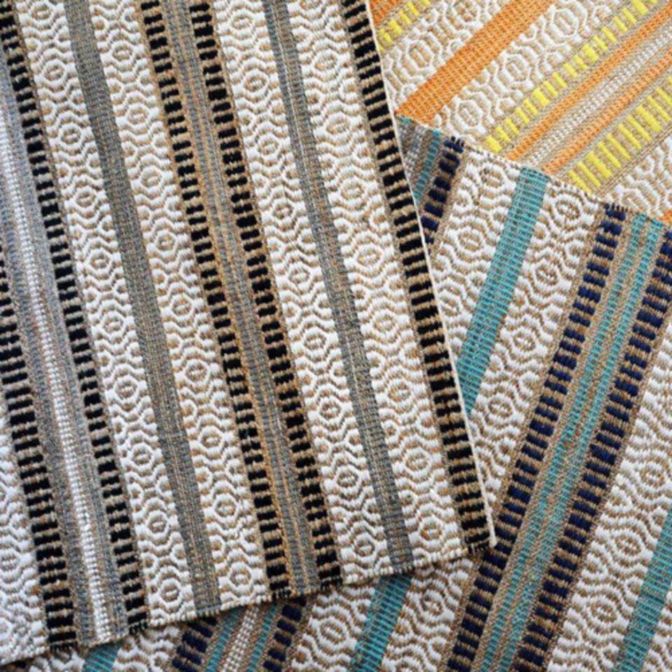 alfombra kilim colorida