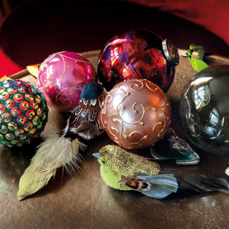 bola de navidad original y colorida