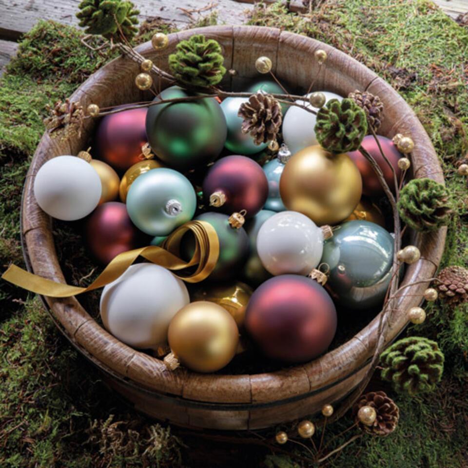 bolas de navidad amarillo mostaza y rojo castaño