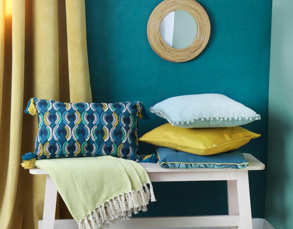 decoración textil azul verde amarillo