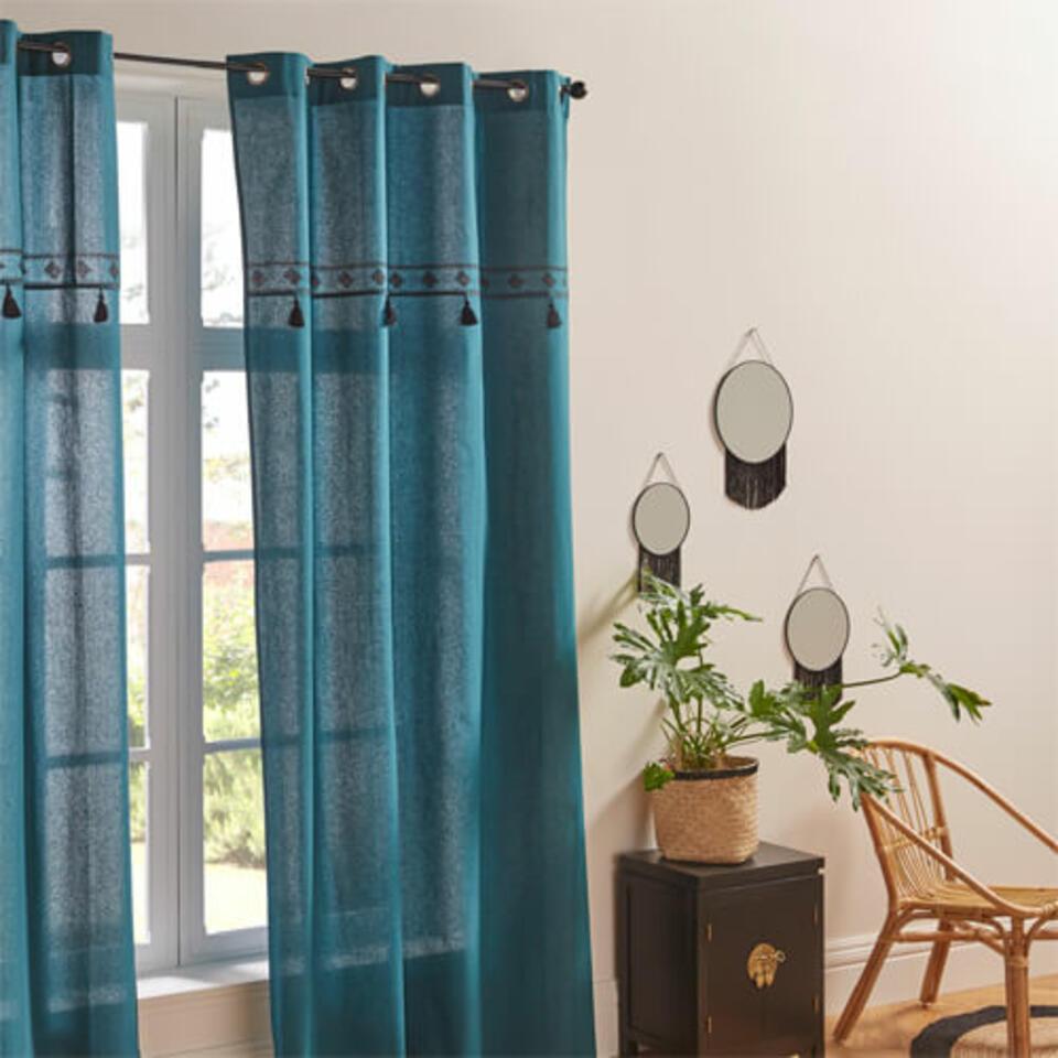 cortina azul trullo con pompones