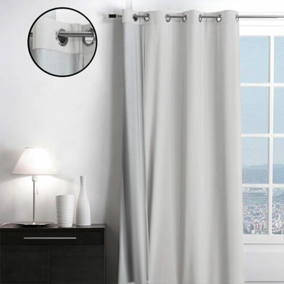 cortina aislante gris claro