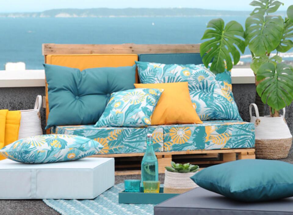 muebles de palets con cojín impermeable