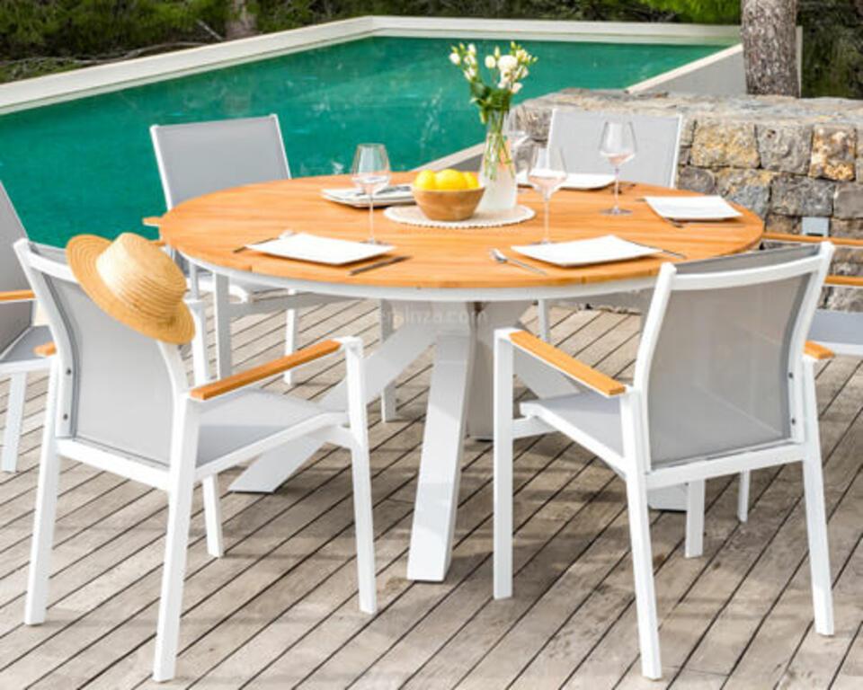 mesa redonda de madera