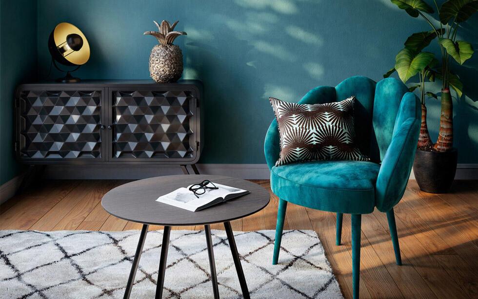 salón moderno con sillón azul trullo