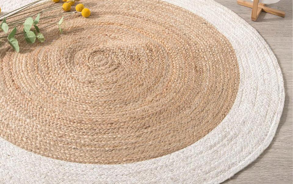 alfombra redonda de yute con borde blanco