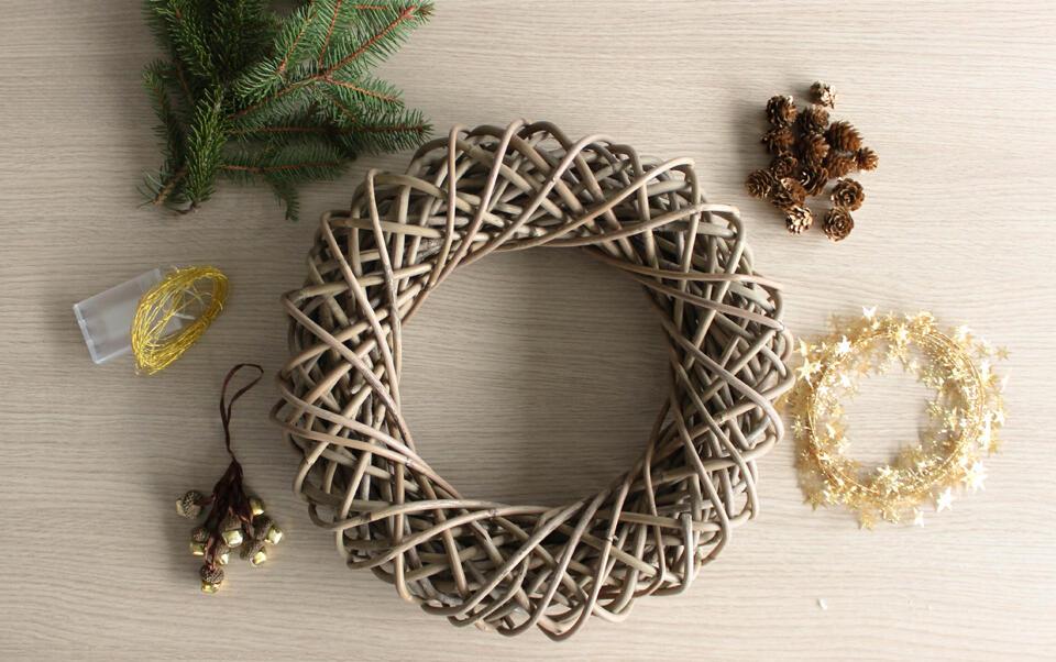 material para hacer su corona de Navidad
